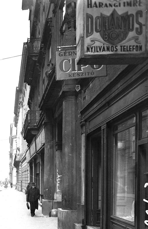 Budapest, Nádor utca - Dohányos bolt