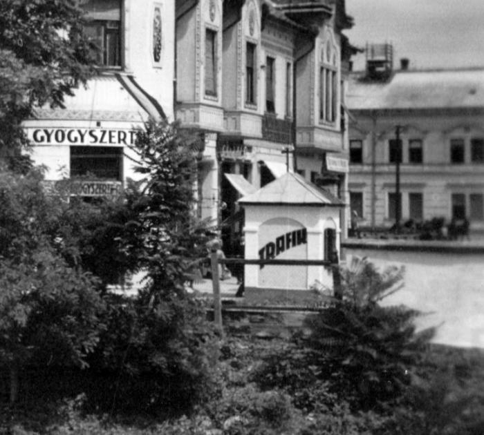 Beregszász, Rákóczi tér - Trafik