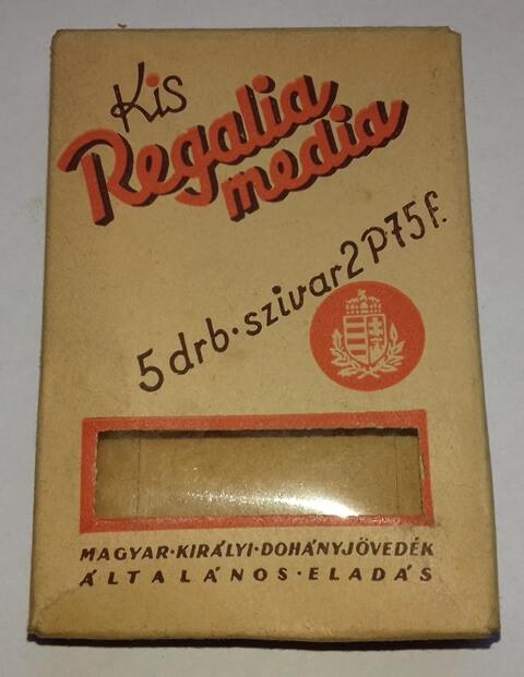 Kis Regalia Media - üres
