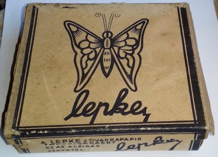 Lepke cigarettapapír doboza - üres