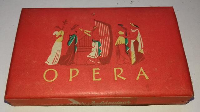 Opera- üres 2.